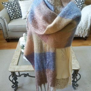 NWOT! GORGEOUS Plaid FRINGED Blanket SCARF
